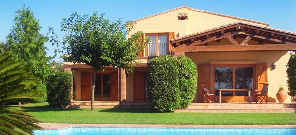 Spanien, Peralada:<br />Golf, Sonne und Kultur – Traumhaftes Haus an Loch 17